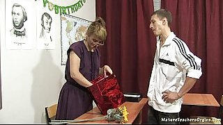 Russian mature teacher 11 - Elise (teacher&#039_s day)